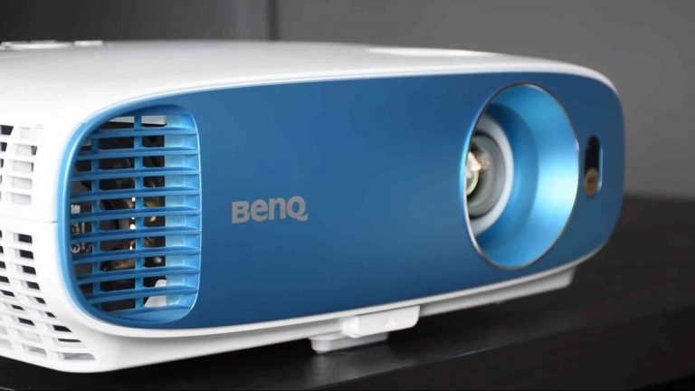 Benq Tk800M 4K short throw projector